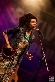 Isla (Julia Charler). Aymeric Maini @ 5ème Blues Party, Les Jardins du Millenium, l'Isle d'Abeau (France), 10.06.2017. (c) Christophe Losberger