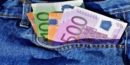 Leboncoin : 180 000 euros oubliés dans une commode