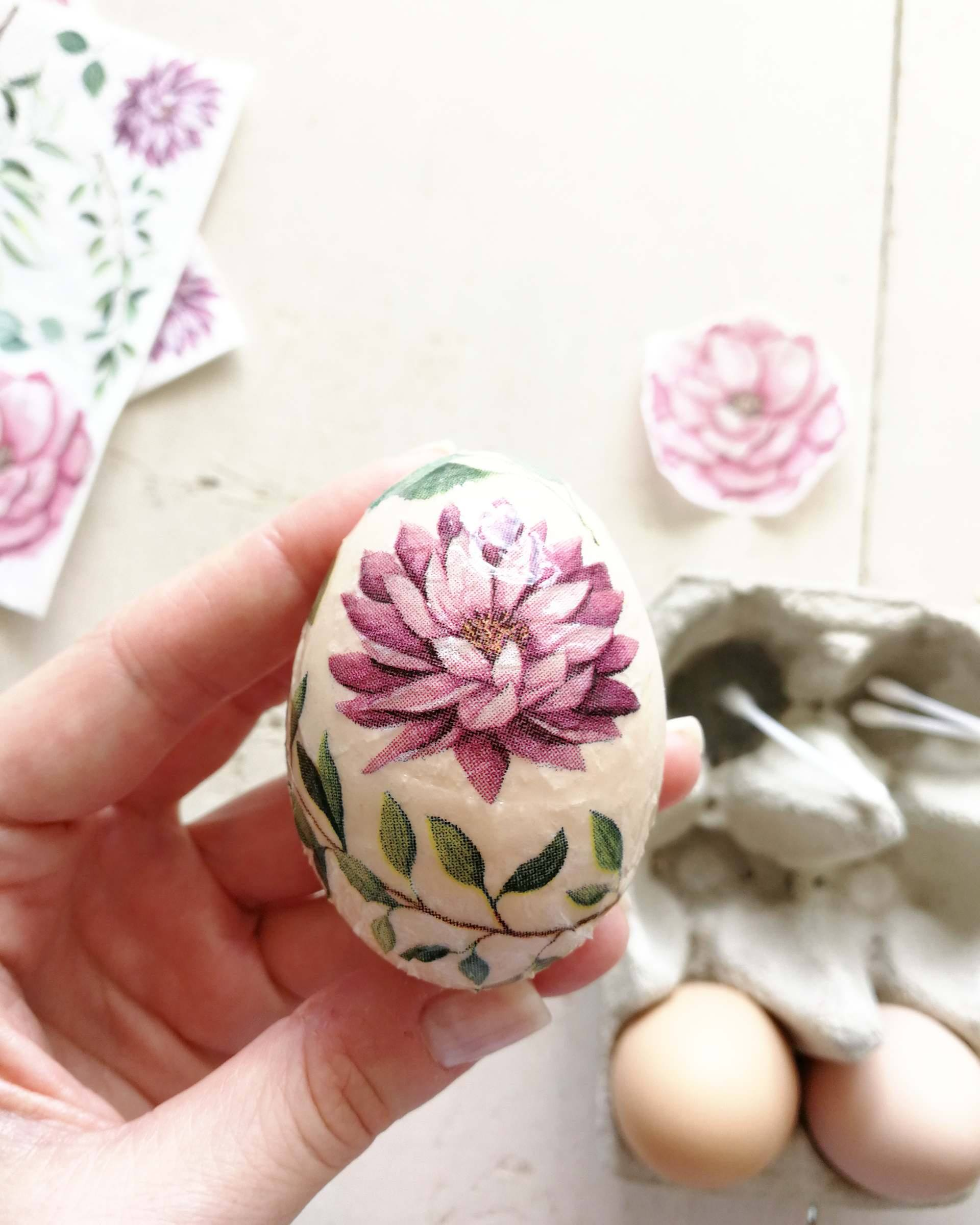 easy easter egg decorating with tissue