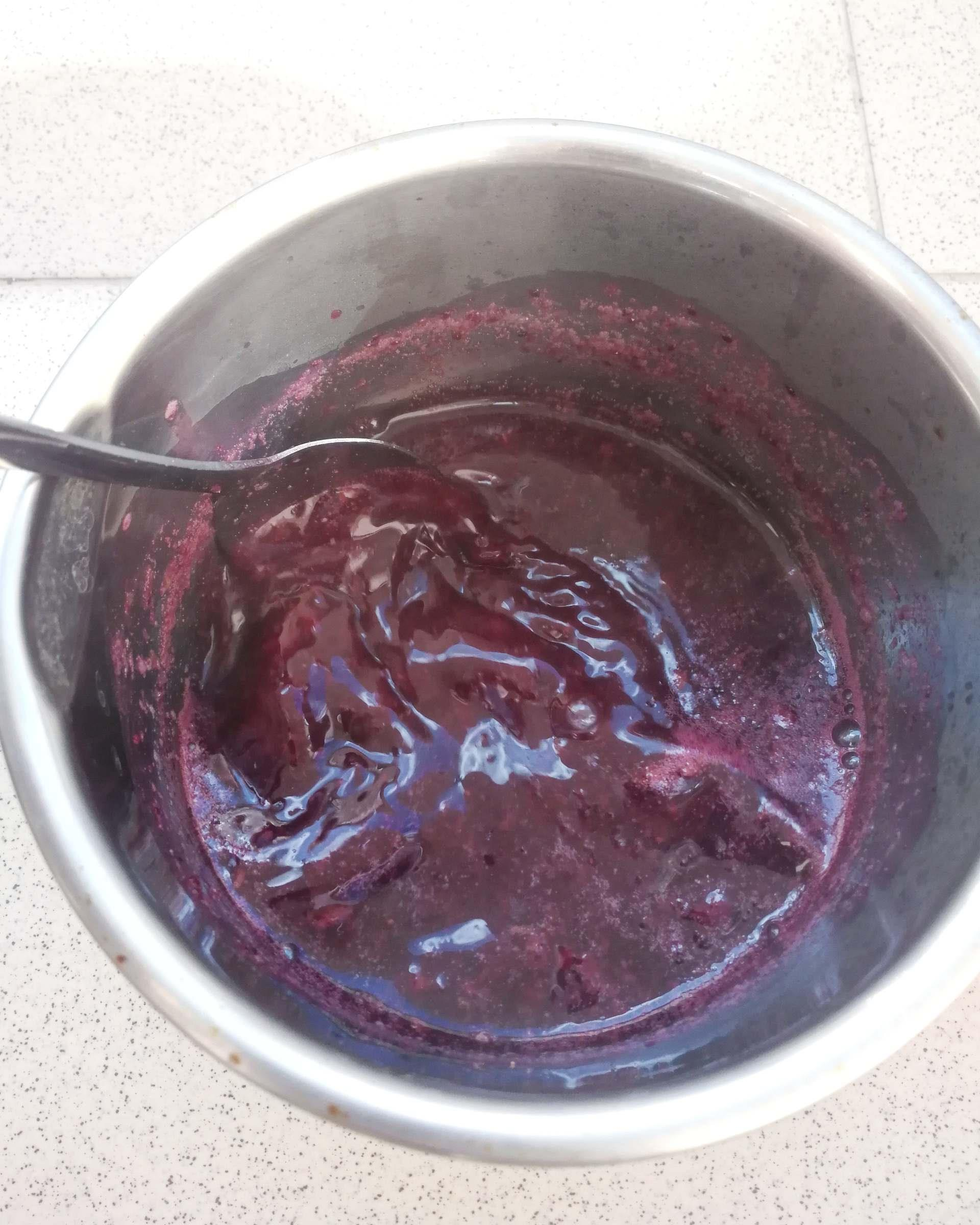 natural easter egg dye with blueberries