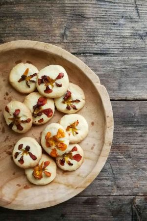 easy edible flower cookies