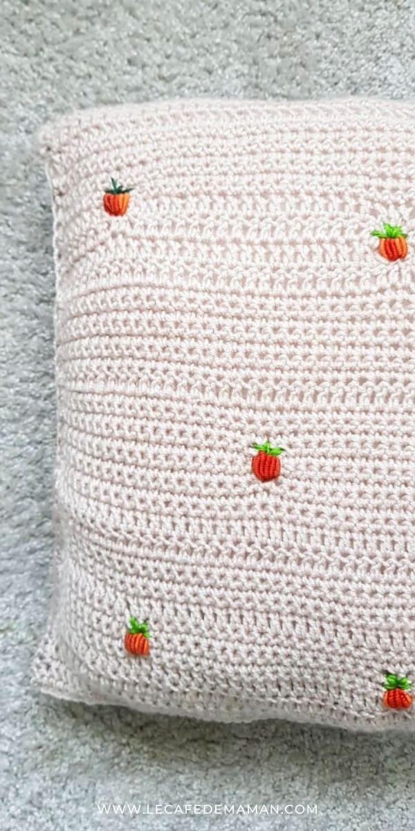 diy pumpkin crochet pillow case
