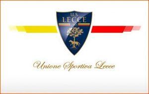 U.S. Lecce logo su sfondo bianco