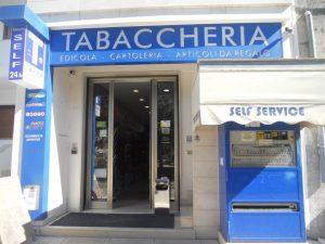 tabaccheria-ippolito-valentino-minervino-campagna-abbonamenti-itinerante-lecce