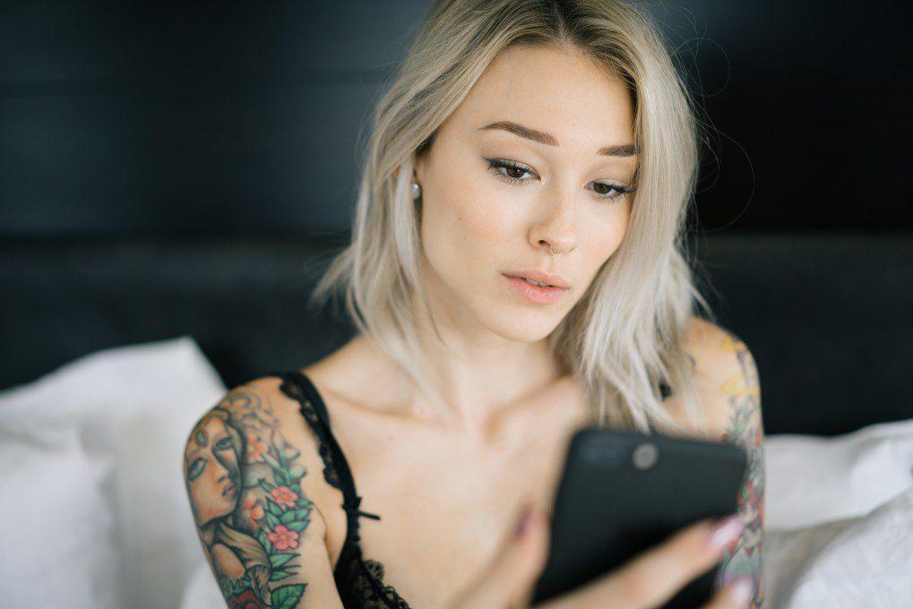 La cuarentena ha hecho que varios se vuelven al sexting. Una práctica para la cual hay que tener ciertos recaudos. Ingresa y enterate.