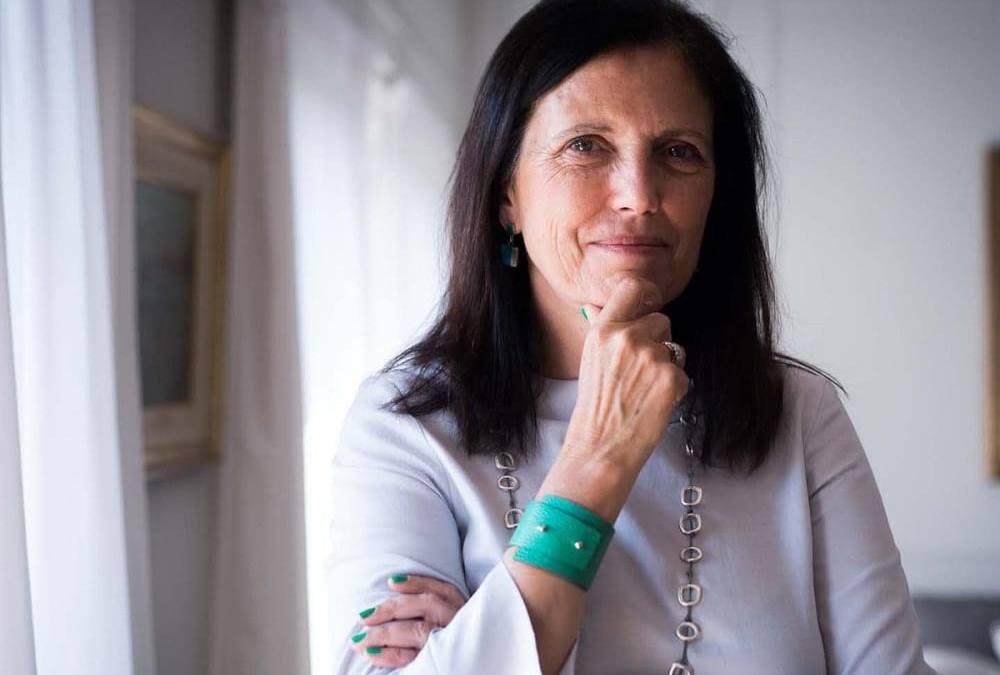 CLAUDIA PIÑEIRO: 'EL LIBRO FÍSICO SOBREVIVIRÁ, ES RESILENTE'