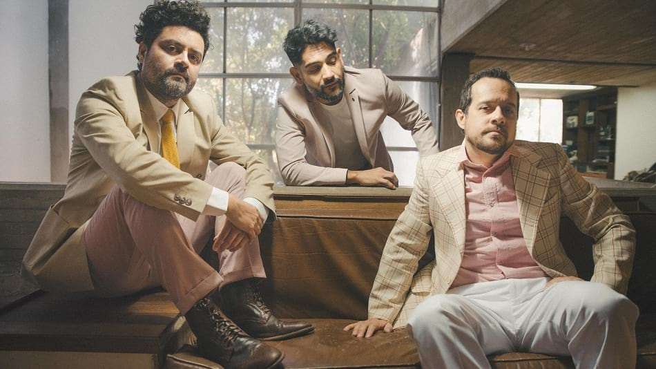 THE OATHS DESPIERTA CON 'DANCE WITH ME'