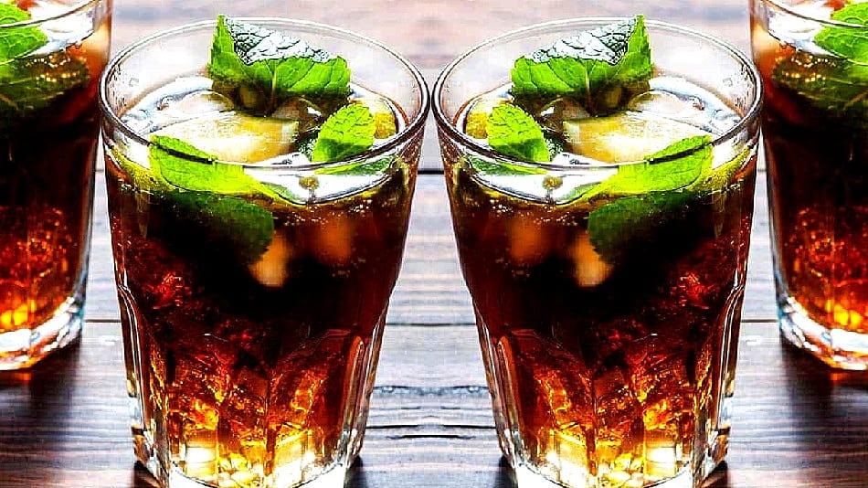 """Conocido como """"cubata"""", o simplemente """"cuba"""", el Cuba Libre es un cóctel que fue sólo para privilegiados. Aquí te damos su receta."""