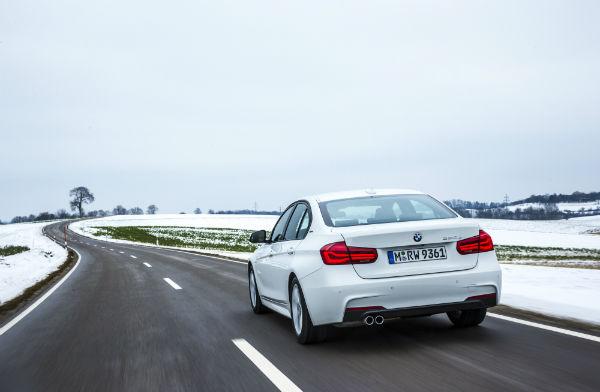BMW 330e _ photo BMW