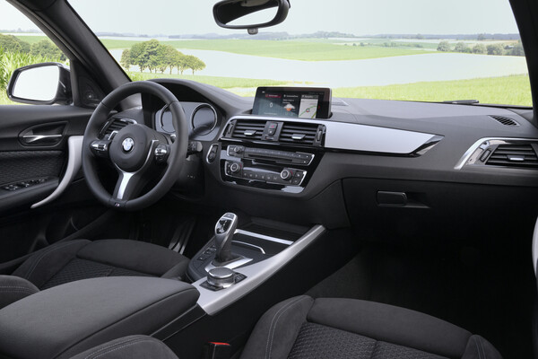 BMW M140i xDrive _ photo BMW