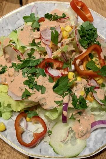 Salat mit French Dressing