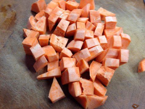 Süßkartoffeln gewürfelt