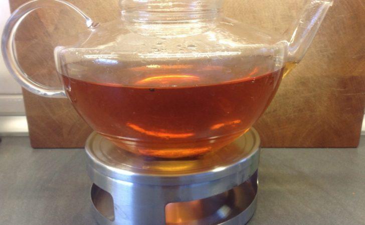 Schwarzer Tee mit Vanille, Zimt und Kardamom