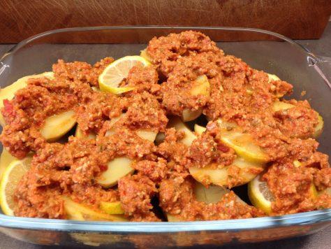 Gebackene Zitronen Za'atar Kartoffeln mit Tomatenpesto
