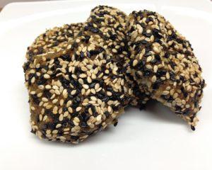 Hirse Kichererbsen Falafel mit Schwarzkümmel-Sesamkruste