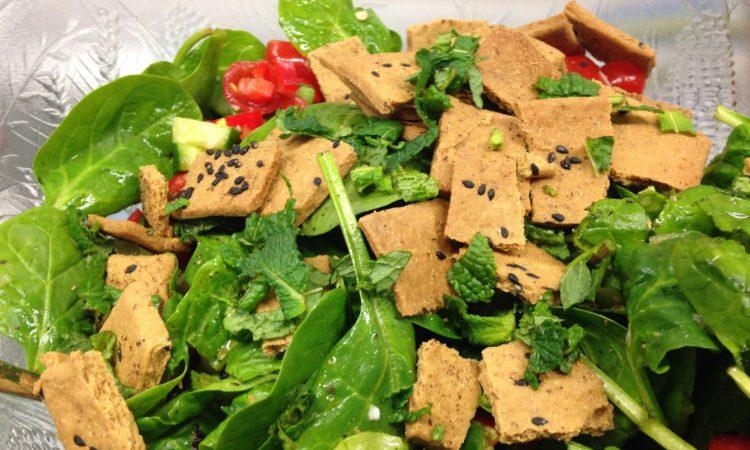 Arabischer Fattoush Salat mit Za'atar