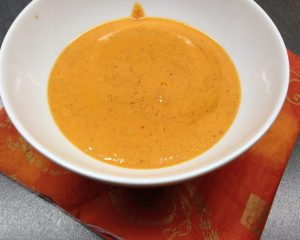 Erdnuss Chili Dressing