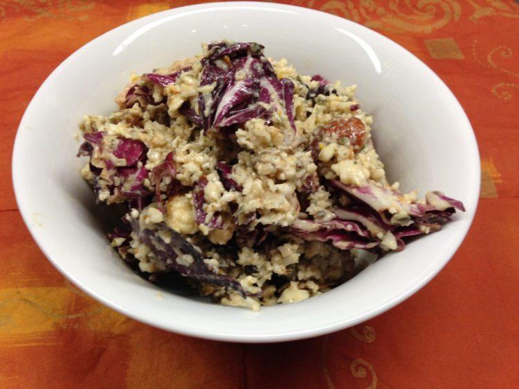 Blumenkohl Reis Salat mit Radicchio, Aprikosen, Mandeln