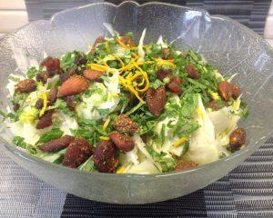 Fenchel Salat mit Birne, Aprikosen, Mandeln, Minze und Cashew Dressing