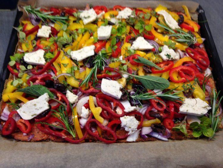 Low Carb Blumenkohl Pizza - Pizza Teig aus Blumenkohl