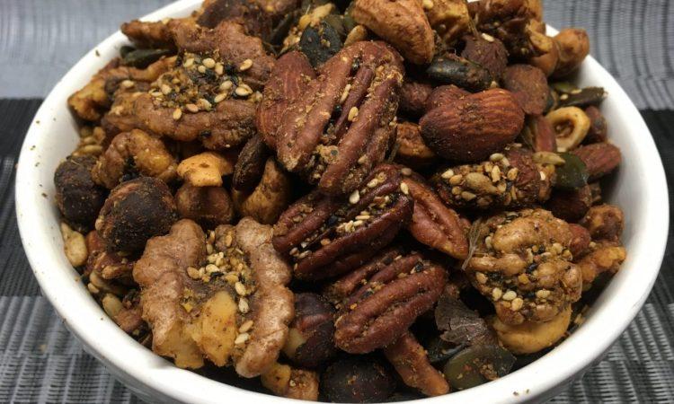 Geröstete Nüsse mit Dukkah