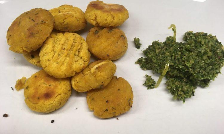Kürbis Gnocchi mit Haselnuss Salbei Pesto