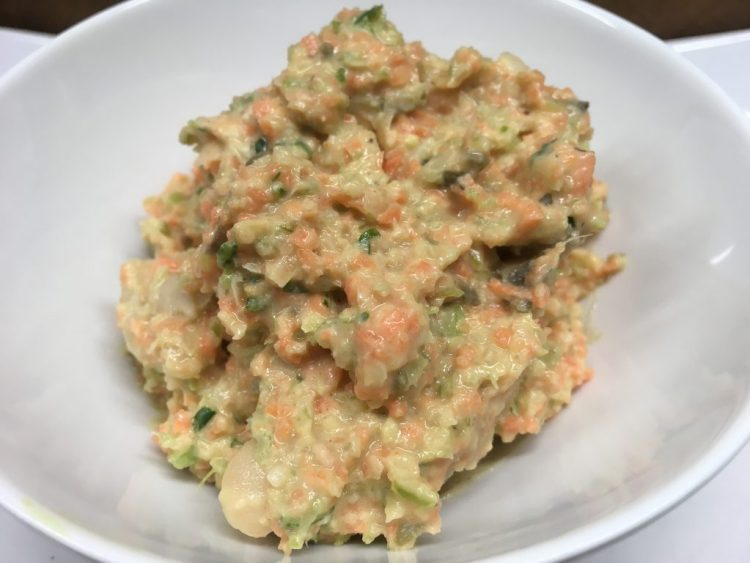 Karotten Sellerie Dip mit Kapern und veganer Mayonnaise