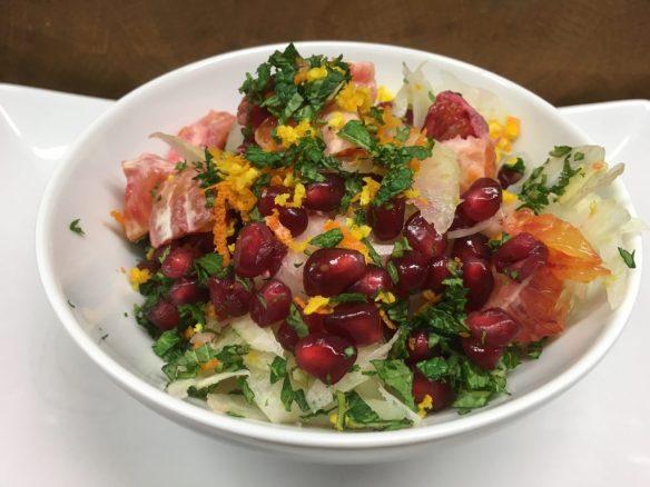 Fenchel Salat mit Blutorangen, Granatapfelkernen und Orangen Mandel Dressing