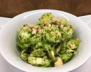 Rosenkohl mit Haselnuss Pesto