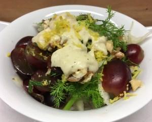 Fenchel Trauben Salat mit Walnüssen und Birnen-Miso-Tahini Dressing