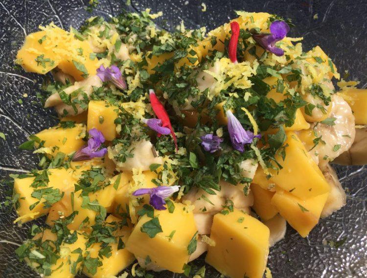 Mango Bananen Salat mit Süßkräutern