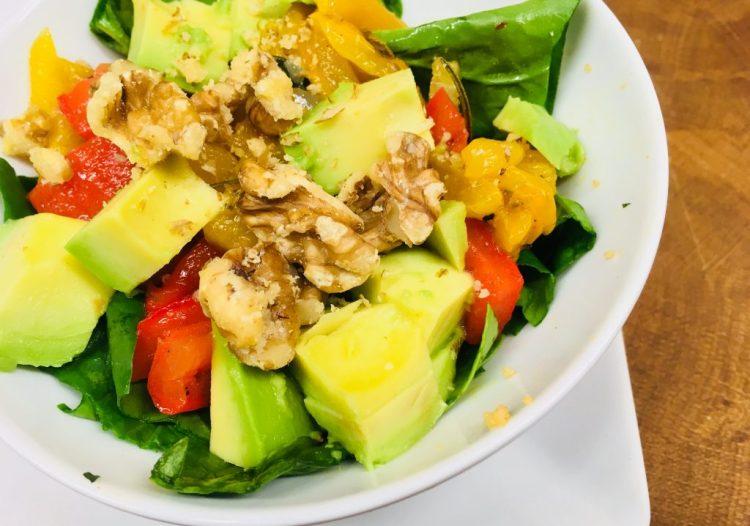 Paprika Avocado Salat