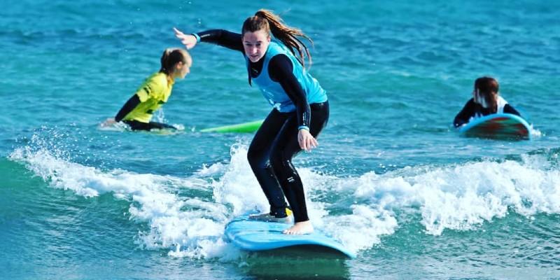 Surf_iniciación practica libre escurla de surf