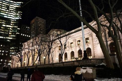 電影「明天過後」躲在裡面的圖書館