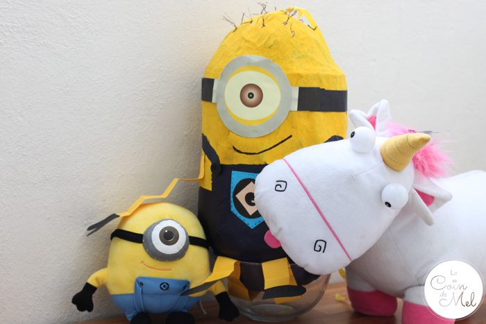 How to Make a Minion Piñata (Despicable Me) - Carl & Friends