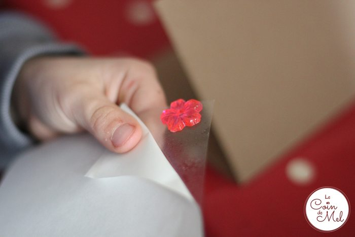 Valentine's Day - 10 Minute Crafts - Bostik micro dots