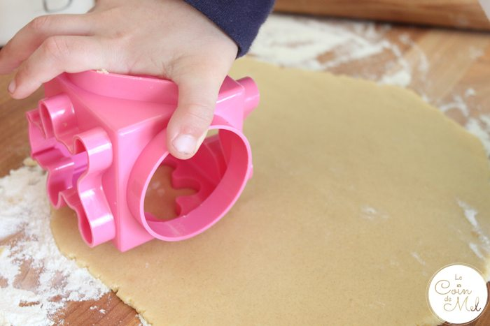 Baking with Kids - Quick & Easy Ginger & Honey Biscuits - Cutting Shapes