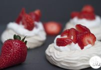 How to Make Vegan Meringues & Pavlovas Using Aquafaba