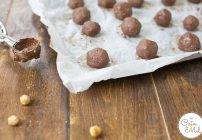 Incredible Paleo Hazelnut Balls by Reneé & #FreeFromFridays