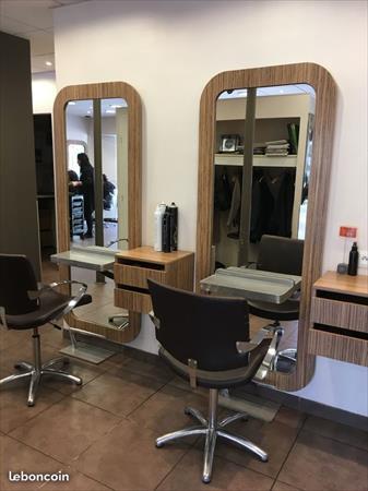 2 postes de travail de coiffure