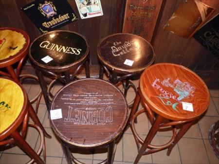 chaises fauteuils tabourets bar restaurant