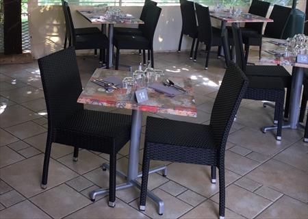 Tables Et Chaises Assortis Terrasses Bar Restaurant Occasions Et Destockage En France Belgique Pays Bas Luxembourg Suisse Espagne Italie Maroc Algerie Tunisie