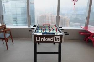 le-nouveau-design-linkedin-fin-du-sourcing-recrutement-gratuir