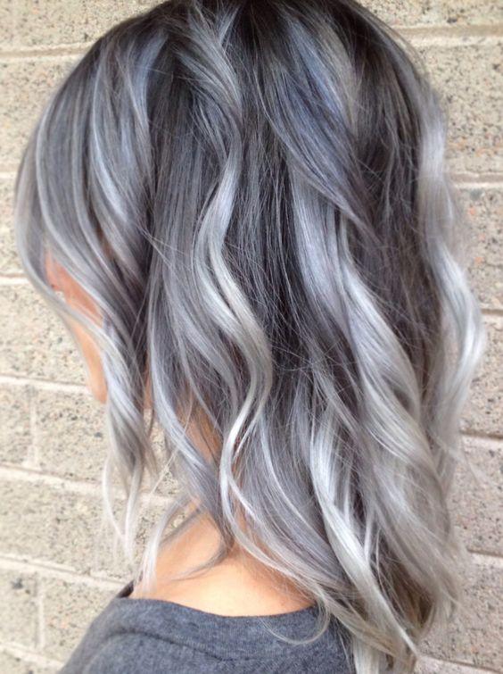 Couleur de cheveux argent