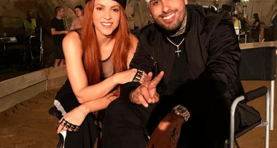 La perruque rousse de Shakira fait jaser