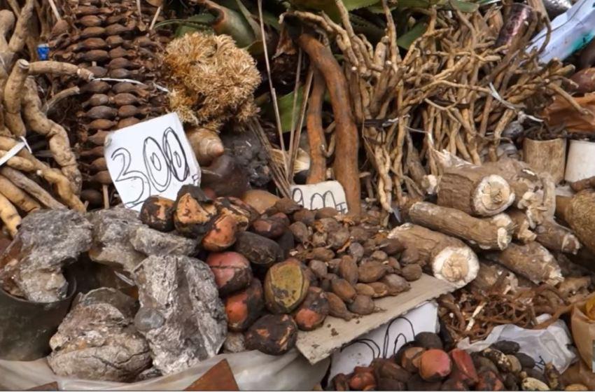 Poto-Poto: à 77 ans, son fils le surprend entrain d'acheter Ankourou