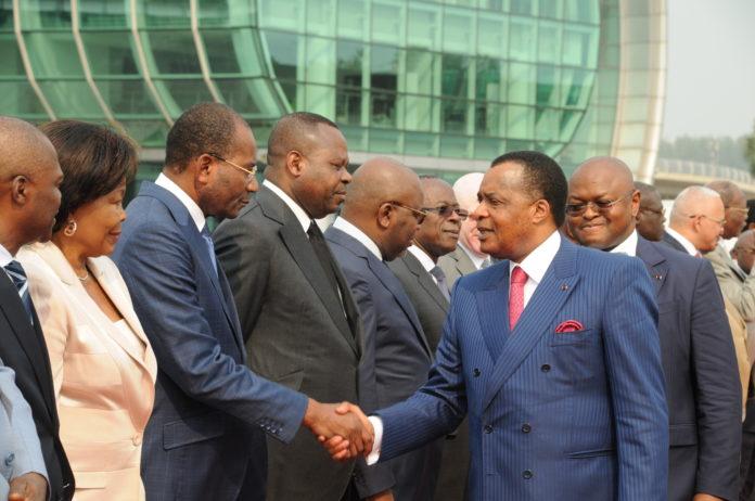 Ministres congolais : payés 11 millions mensuel pour juste saluer Sassou au départ et arrivée de Maya Maya