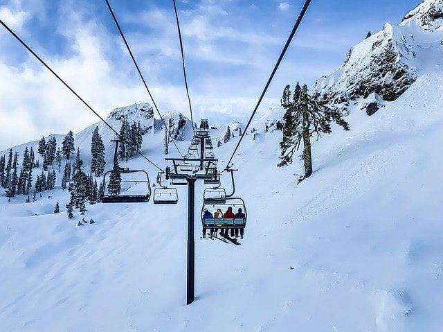Neve artificiale: unica possibilità per lo sci?