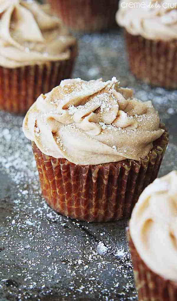 Gingerbread Cupcakes from Le Crem De La Crumb| Christmas