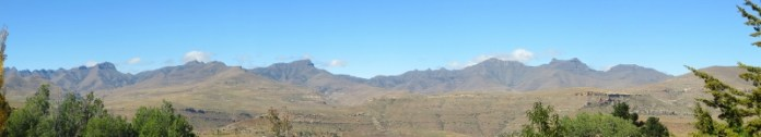 Scenic mountains from Tebellong